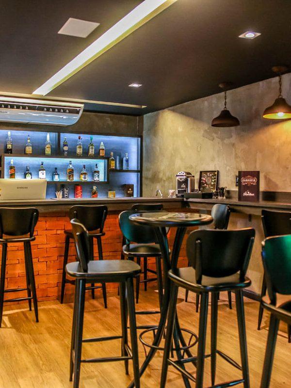 Bar 01